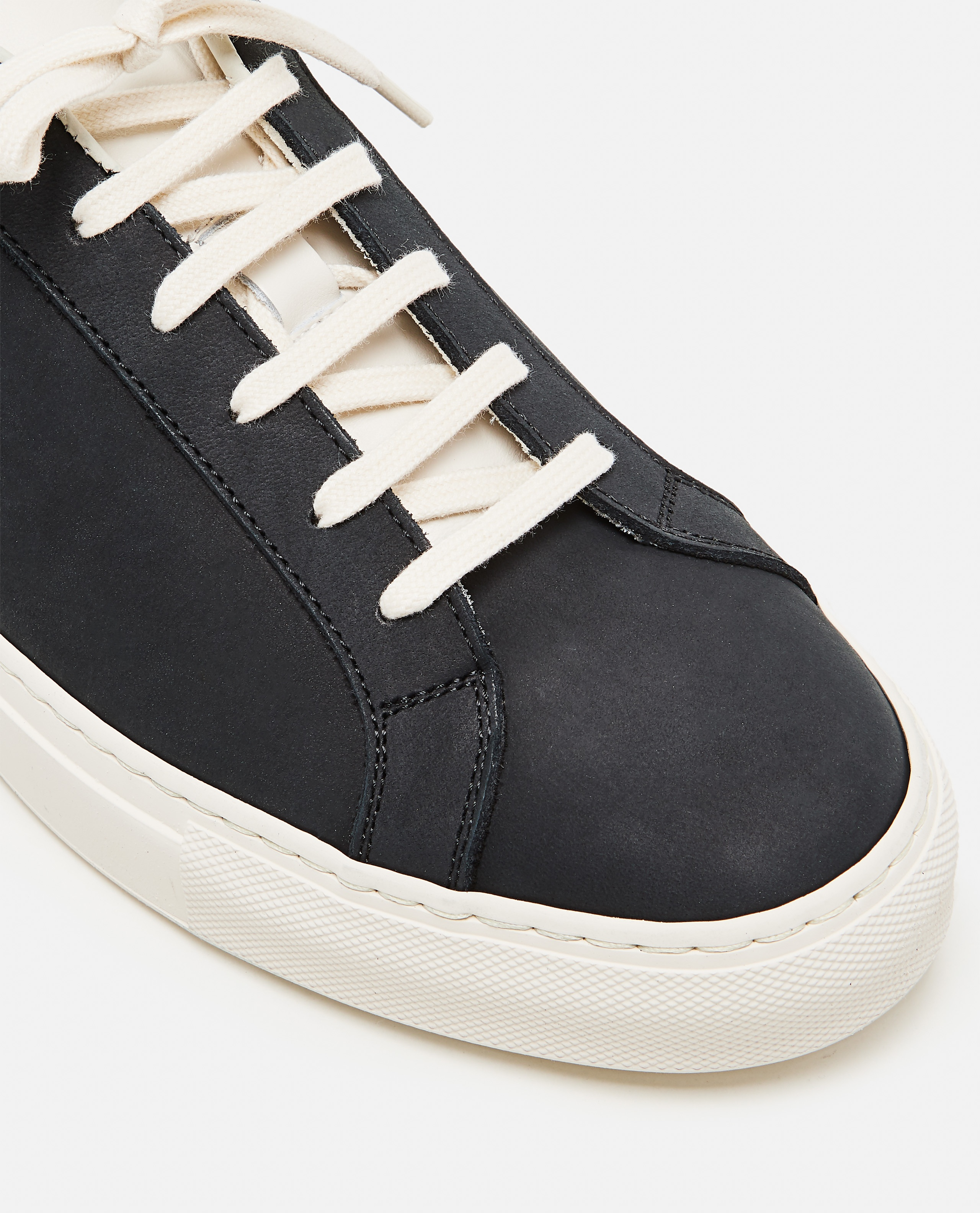 Sneakers Achilles Low in pelle nabuk Uomo Common Projects 000305520044801 4