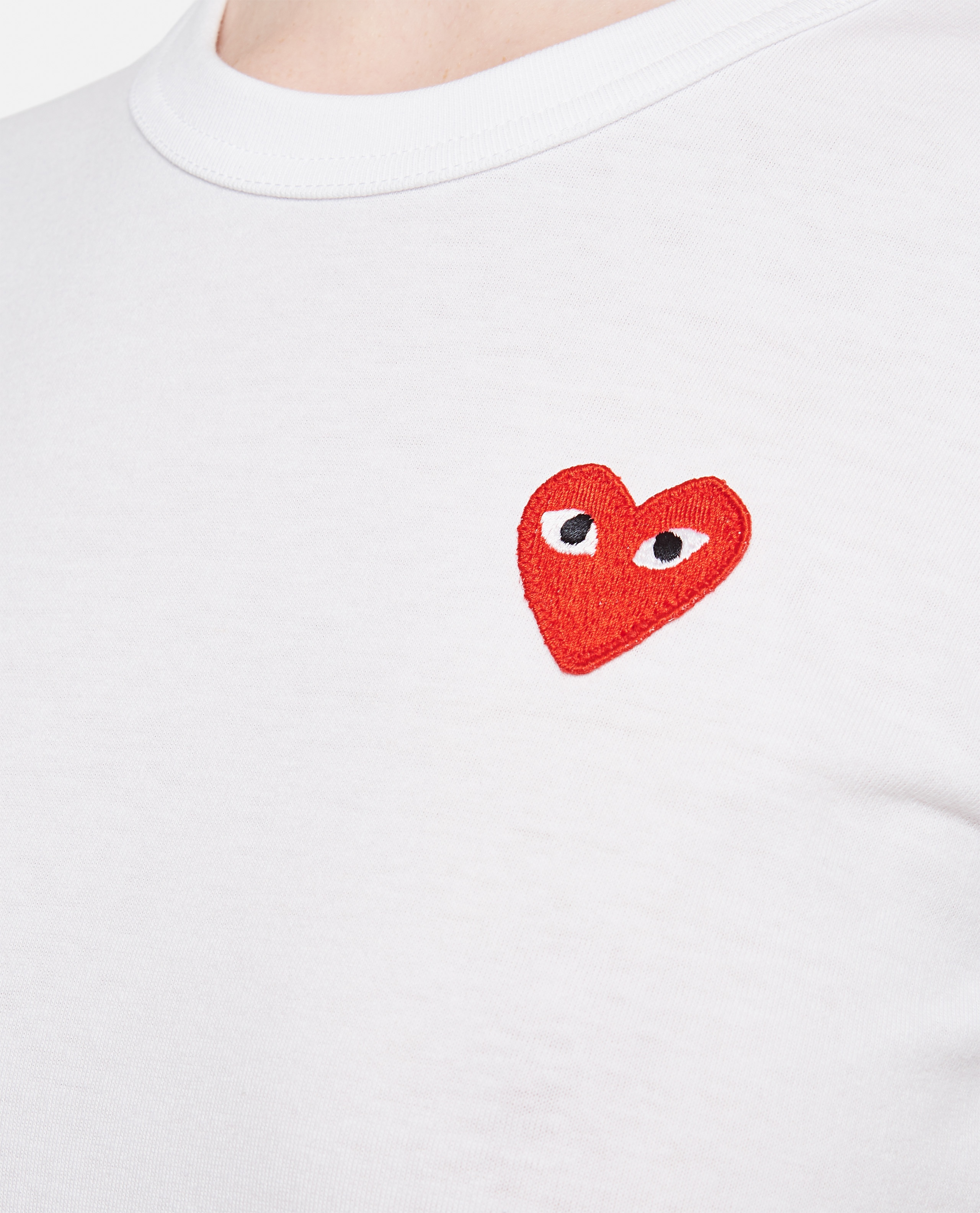 Cotton T-shirt with heart patch Women Comme des Garcons Play 000051340008976 4
