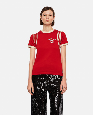 Short-sleeved red crew-neck