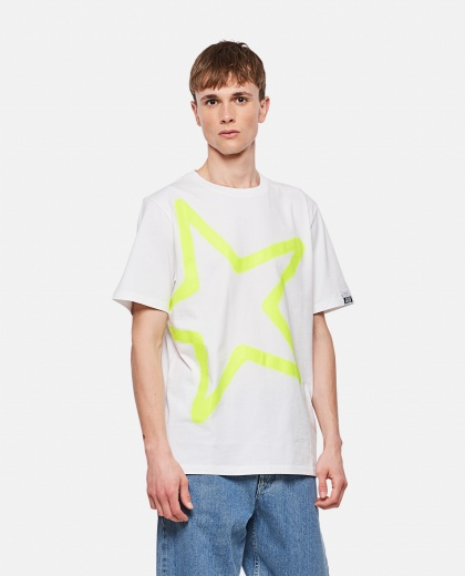 Adamo T-shirt with maxi star print Men Golden Goose 000292040043010 1
