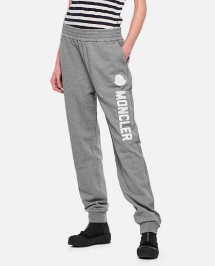 Jogging trousers with logo Women Moncler 000309150045339 1