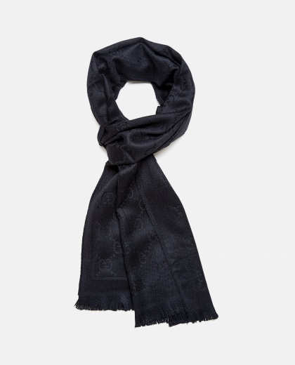 Knitted scarf with GG jacquard motif Women Gucci 000220270032594 2