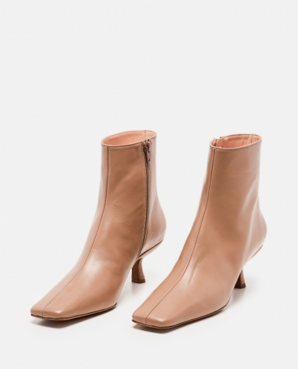 Lange Ankle Boots In Wrinkled Leather Women By Far 000285250042048 2
